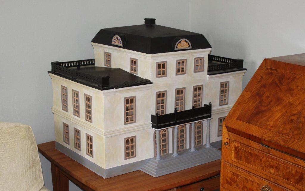 Modell av den tänkta huvudbyggnaden på Ströö Gård