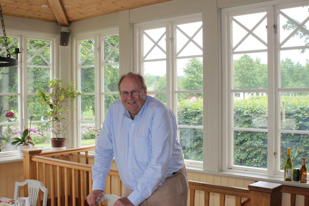 William Hamilton i drömköket som hustrun Katarina och han byggde på Ströö Gård